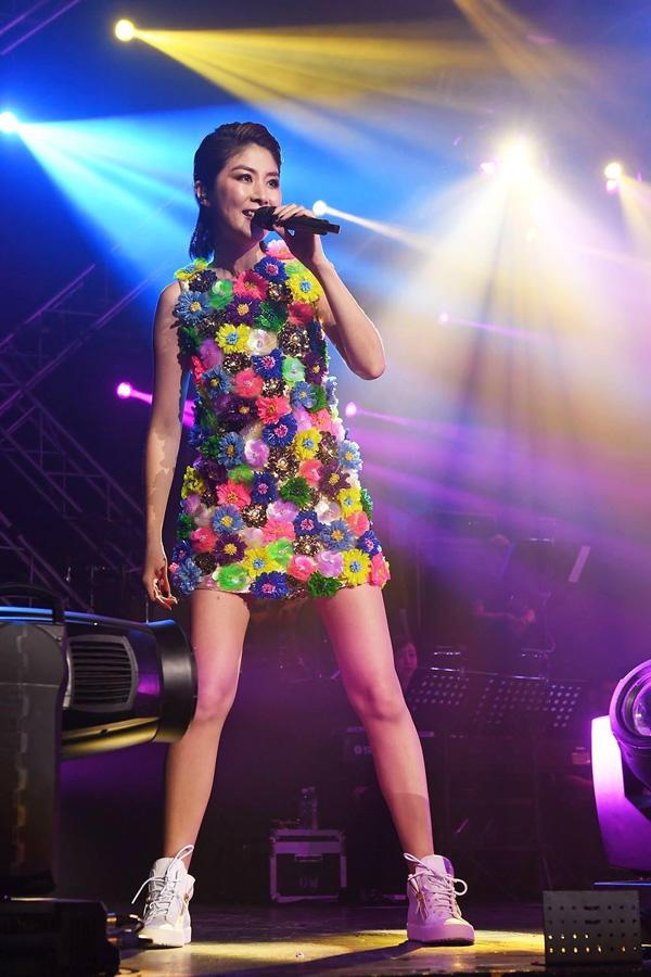 天后陈慧琳演唱会演绎百变舞台造型